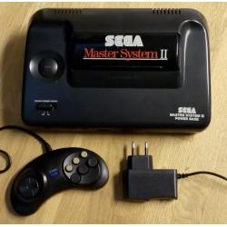 SEGA Master System II: Komplett konsoll med Alex Kidd