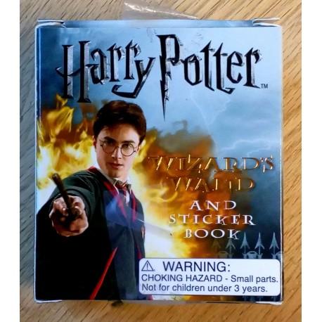 Harry Potter Wizard's Wand and Sticker Book - Komplett i eske
