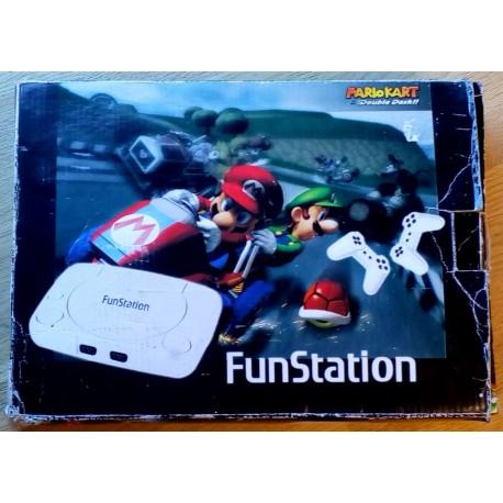FunStation konsoll med to håndkontroller og lyspistol