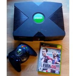 Xbox: Konsoll med spillet FIFA 06