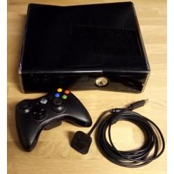 Xbox 360 Slim med 250 GB HD - Komplett konsoll