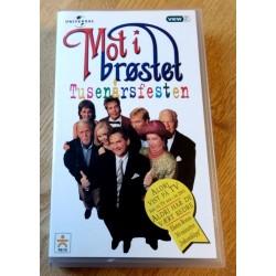Mot i brøstet - Tusenårsfesten (VHS)