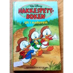 Hakkespettboken - Ut i naturen