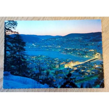 Postkort: Drammen ved natt