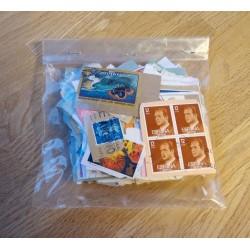 Frimerker: 50 gram utenlandske klipp
