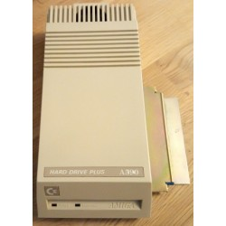 Commodore Amiga A590 Hard Drive Plus - 20 MB lagring og 2 MB RAM