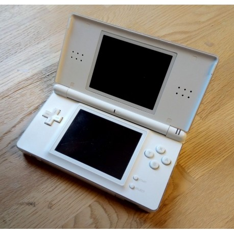 Nintendo DS Lite spillkonsoll med strømforsyning