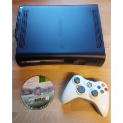 Xbox 360 Elite med 120 GB HD - Med FIFA 15