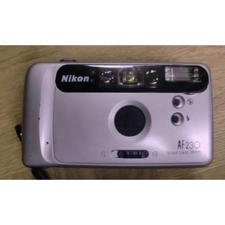 Kamera: Nikon AF 230 med futteral