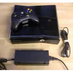 Xbox 360 Slim: Komplett konsoll